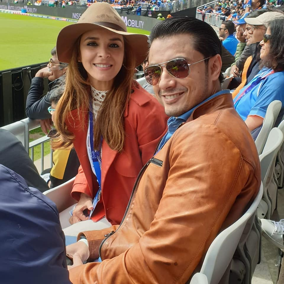 Mawra Urwa and Ali Zafar in Manchester Stadium Supporting Pakistan Team