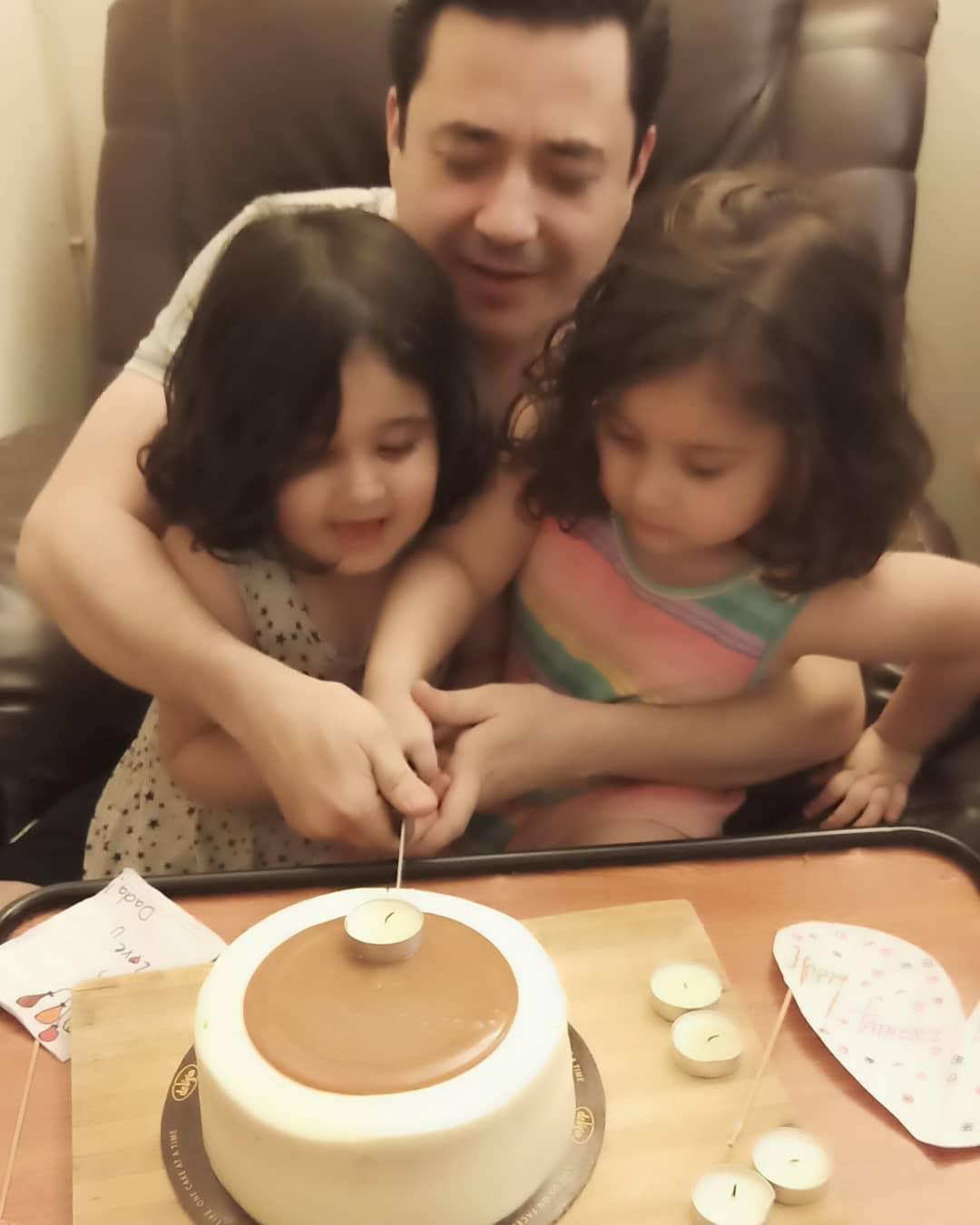 Actress Madiha Rizvi Shared her Husband & Kids Clicks on Father's Day