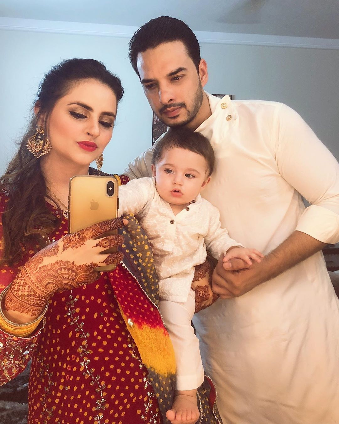 Gorgeous Fatima Efffendi with her family | Check Clicks