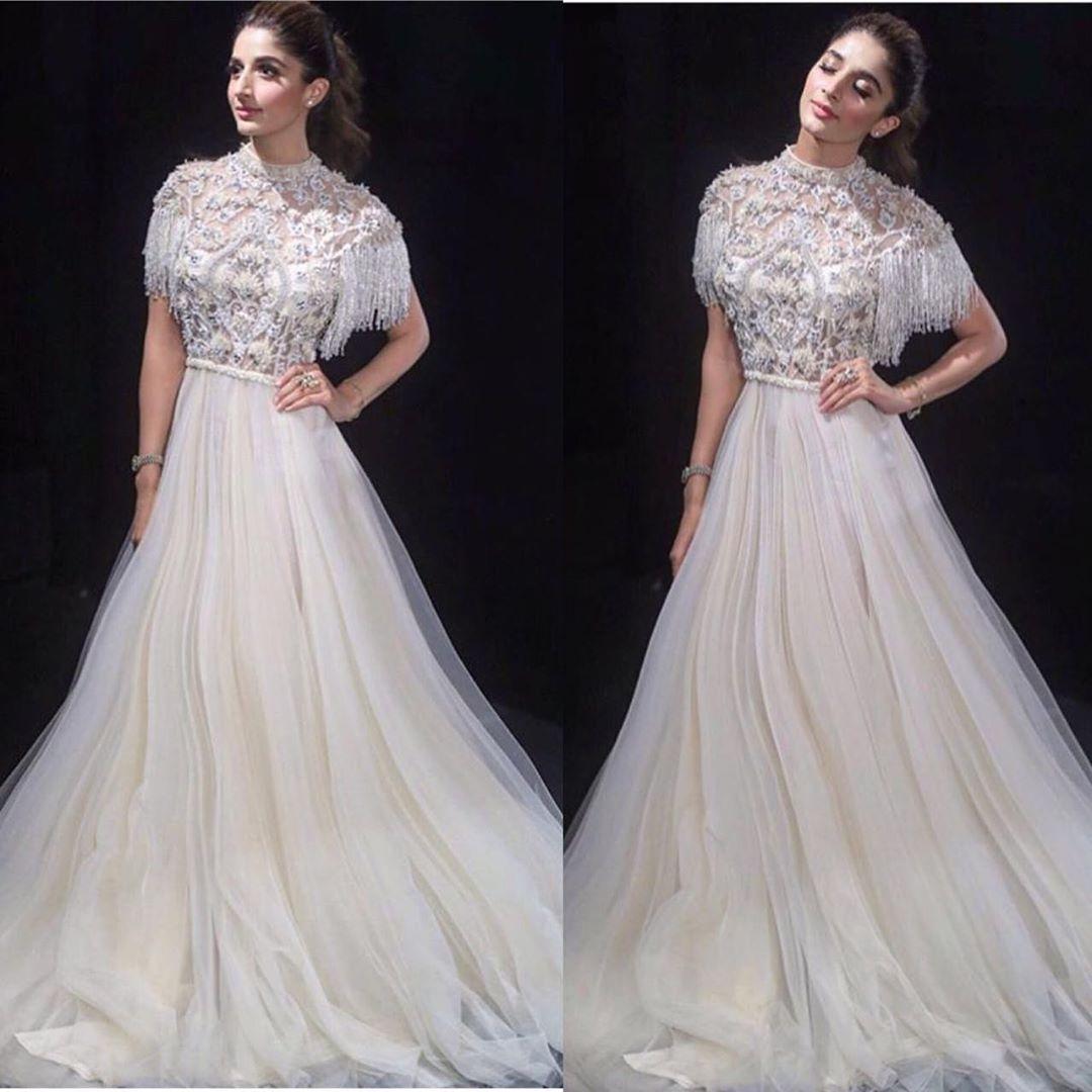 Mawra Hocane Beautiful Clicks from Lux Style Awards 2019