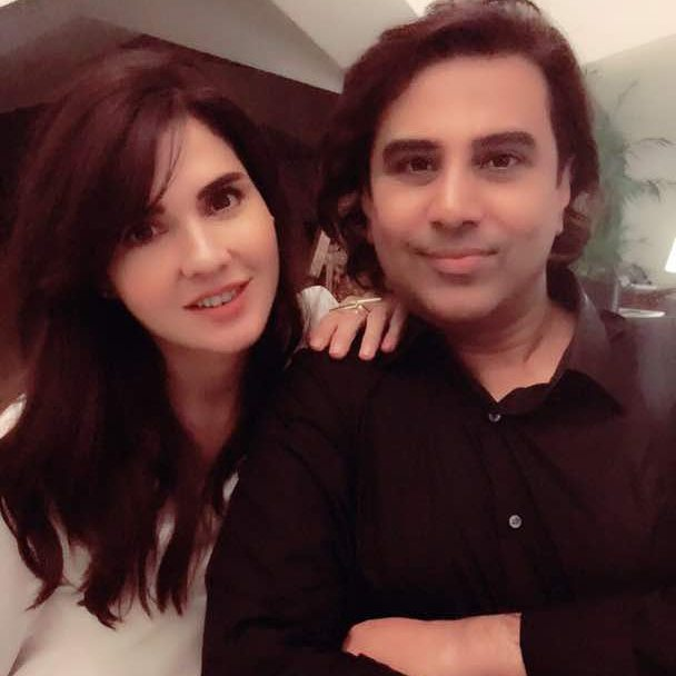 Awesome Mahnoor Baloch Spotted in Happy Mood | Check Unique Clicks