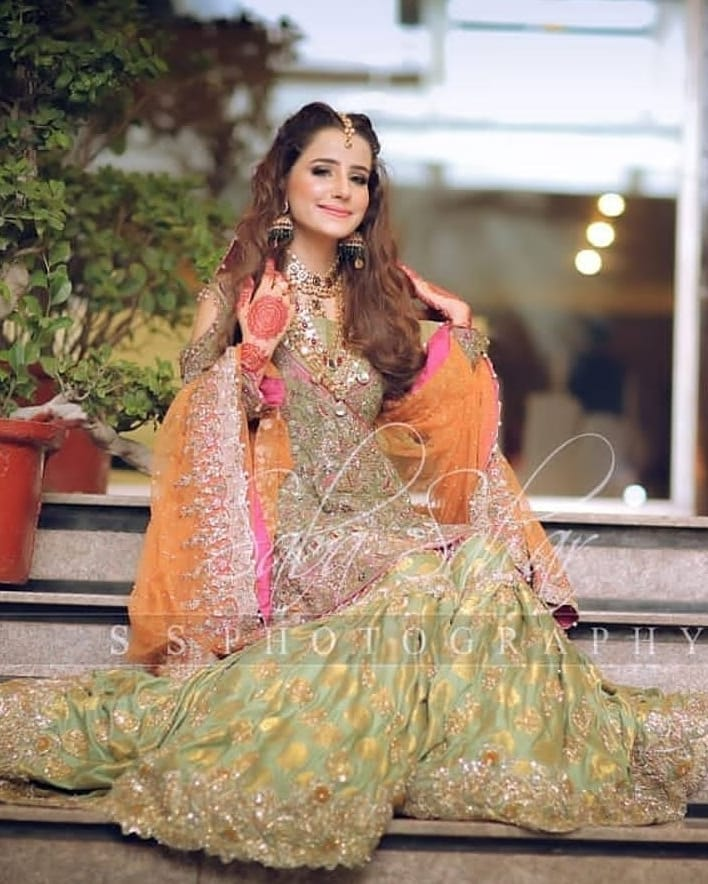 Actress Saniya Shamshad Stunning Clicks in Mehndi Dress