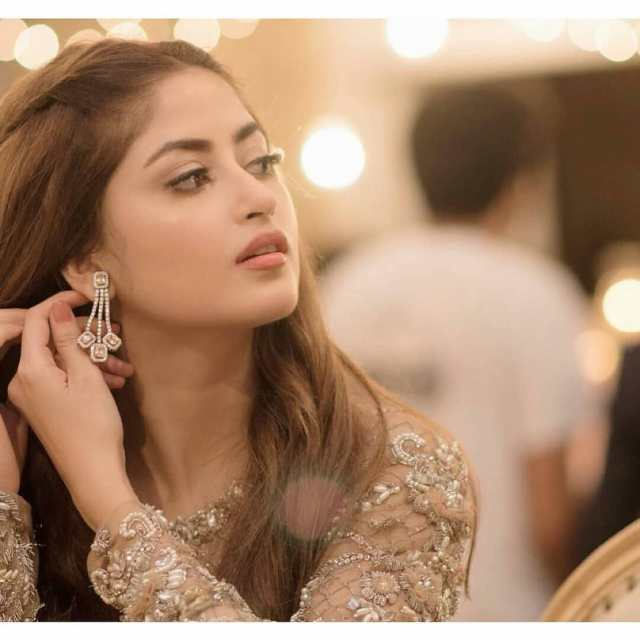 Beautiful Sajal Aly Shows her Engagement Ring 💍