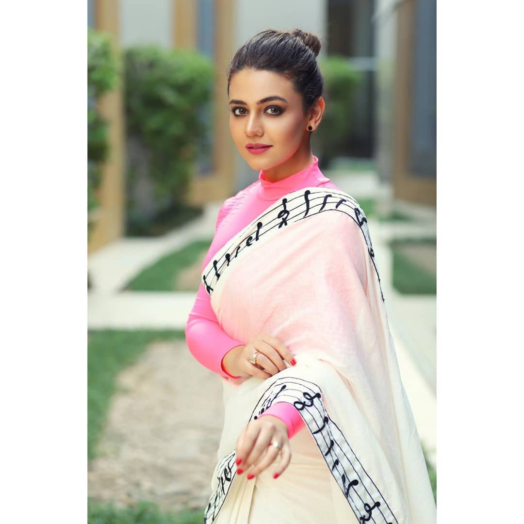 Beautiful Zara Noor Abbas Spotted During Her Film Promotions
