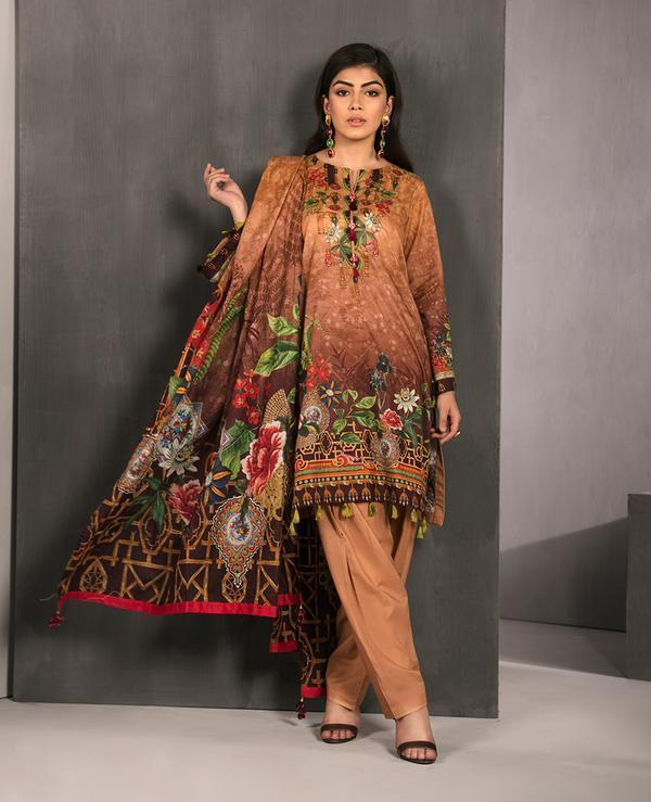 Ittehad Fabrics Bring 50 % Off This Eid & Independence Day
