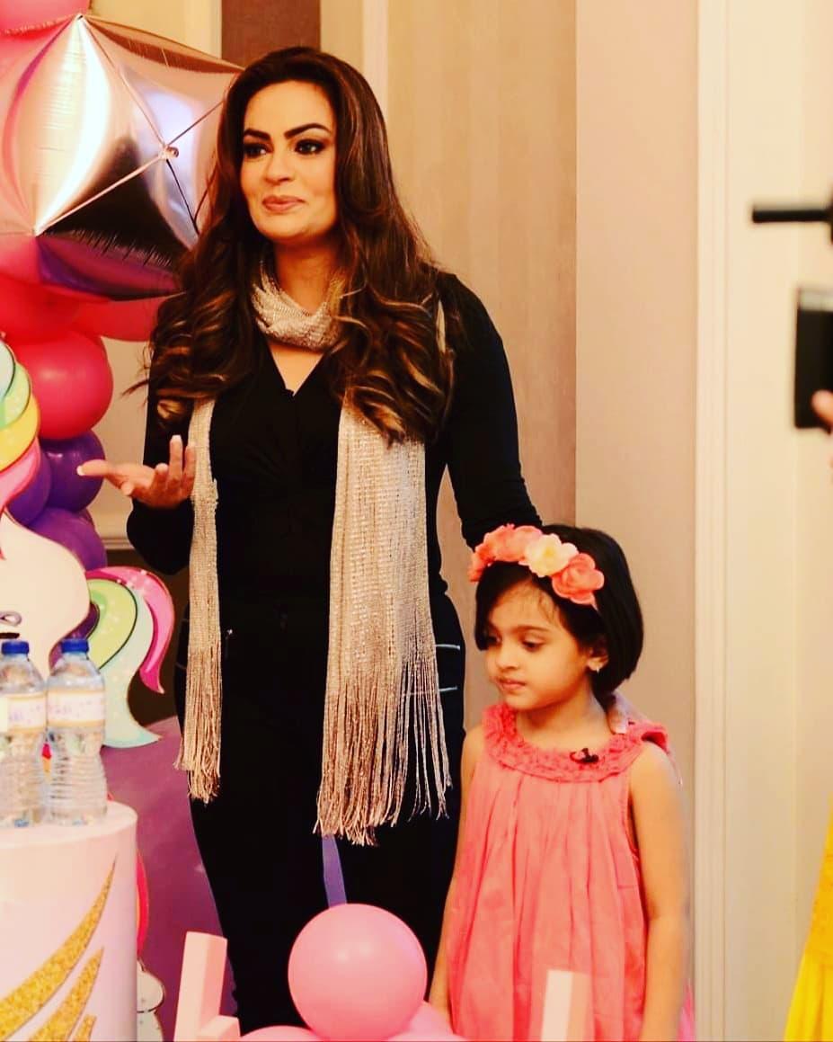 Sadia Imam Beautiful Clicks with Husband and Daughter