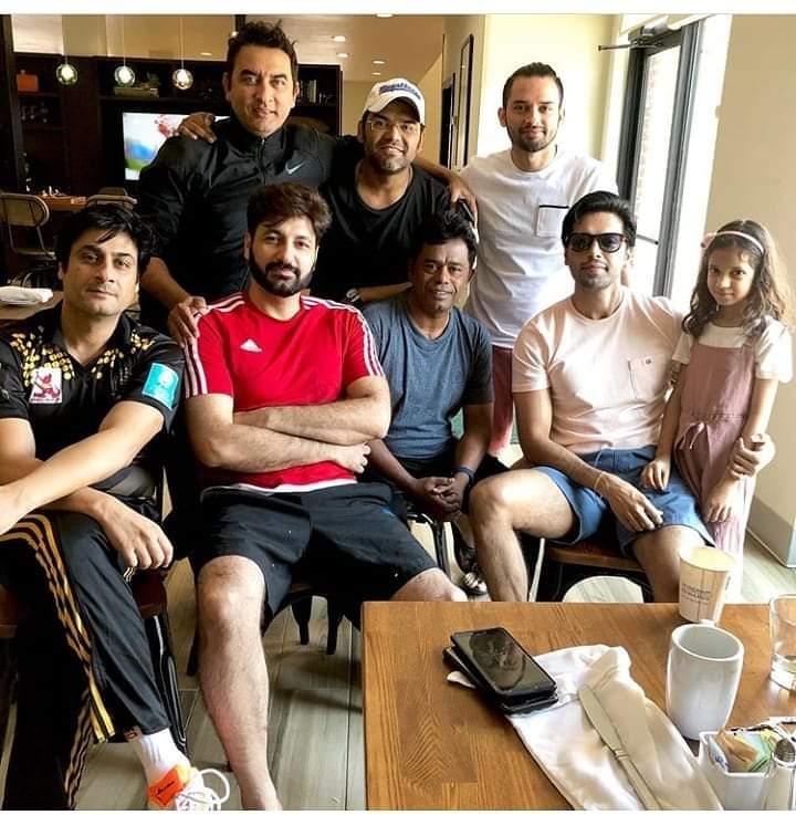 Pakistani Celebrities Playing Cricket 6