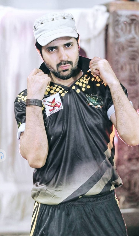 Pakistani Celebrities Playing Cricket 20