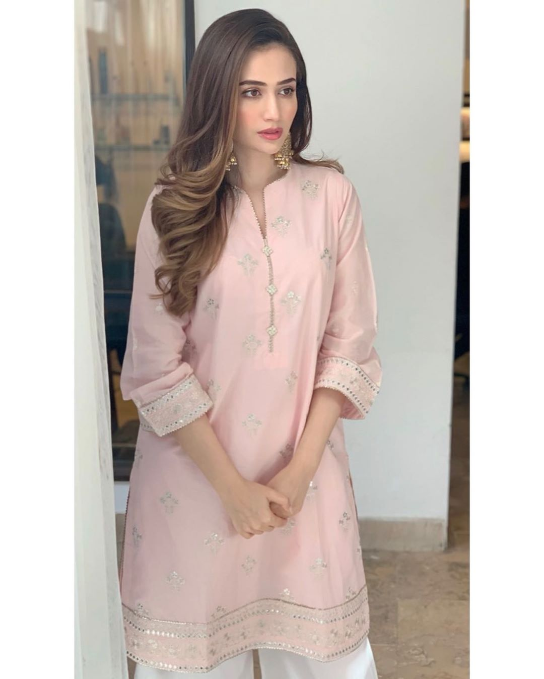 Awesome Pictures of Beautiful Sana Javed