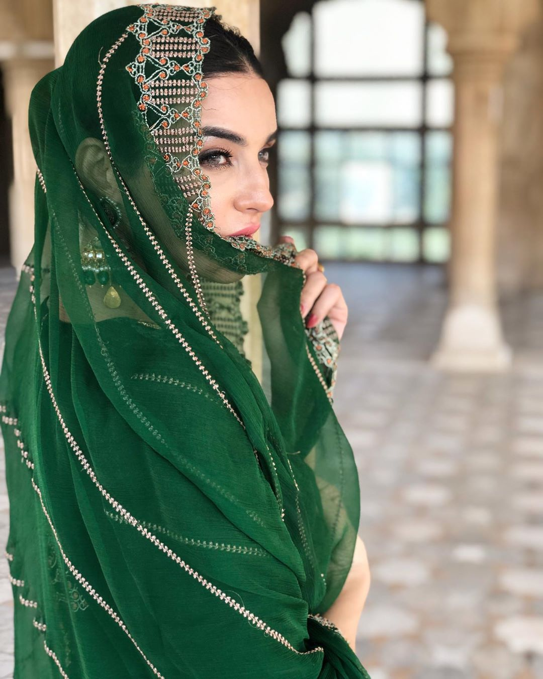 New Awesome Pictures of Sadia Khan