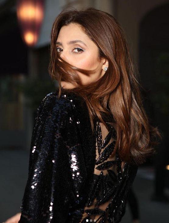 New Photoshoot of Beautiful Mahira Khan