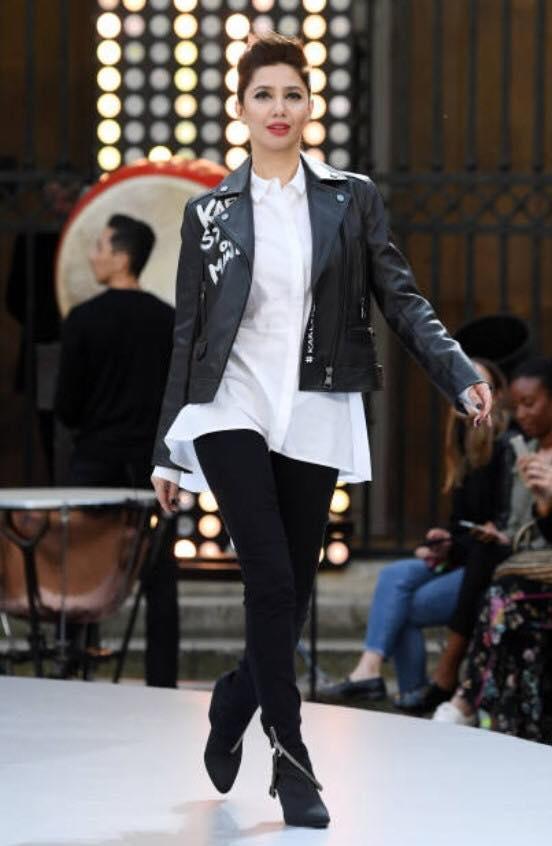 Beautiful Mahira Khan Awesome Clicks At Paris Fashion Week Ramp