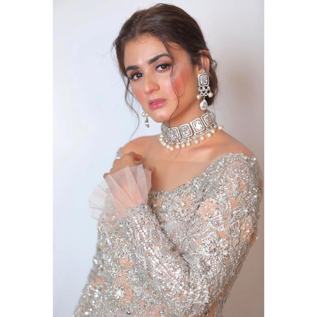 Actress Hira Mani Looking Beautiful in Gorgeous Outfit