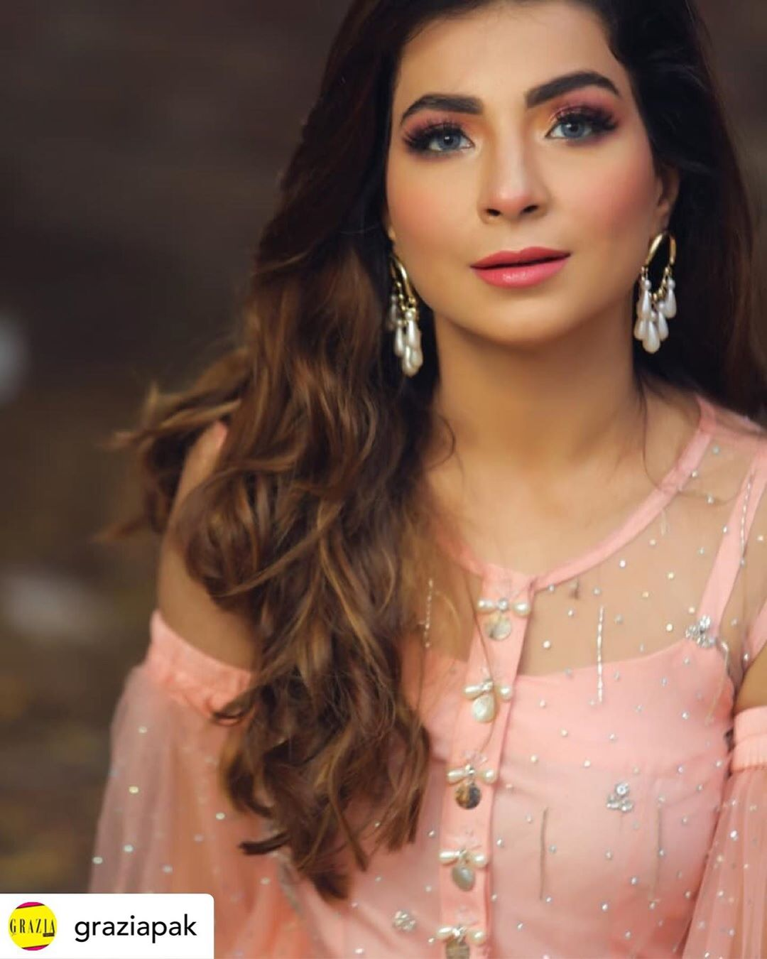 Latest Beautiful Clicks of Actress Dua Malik with Husband