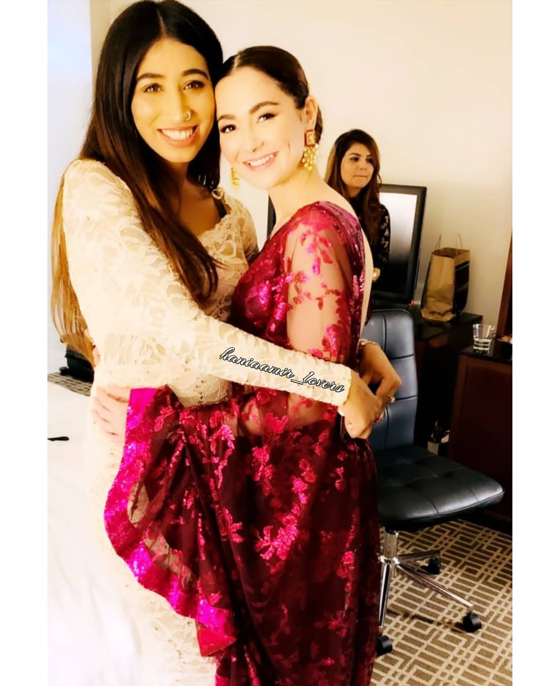 Beautiful Pictures of Hania Aamir and Asim Azhar at Hum Awards 2019