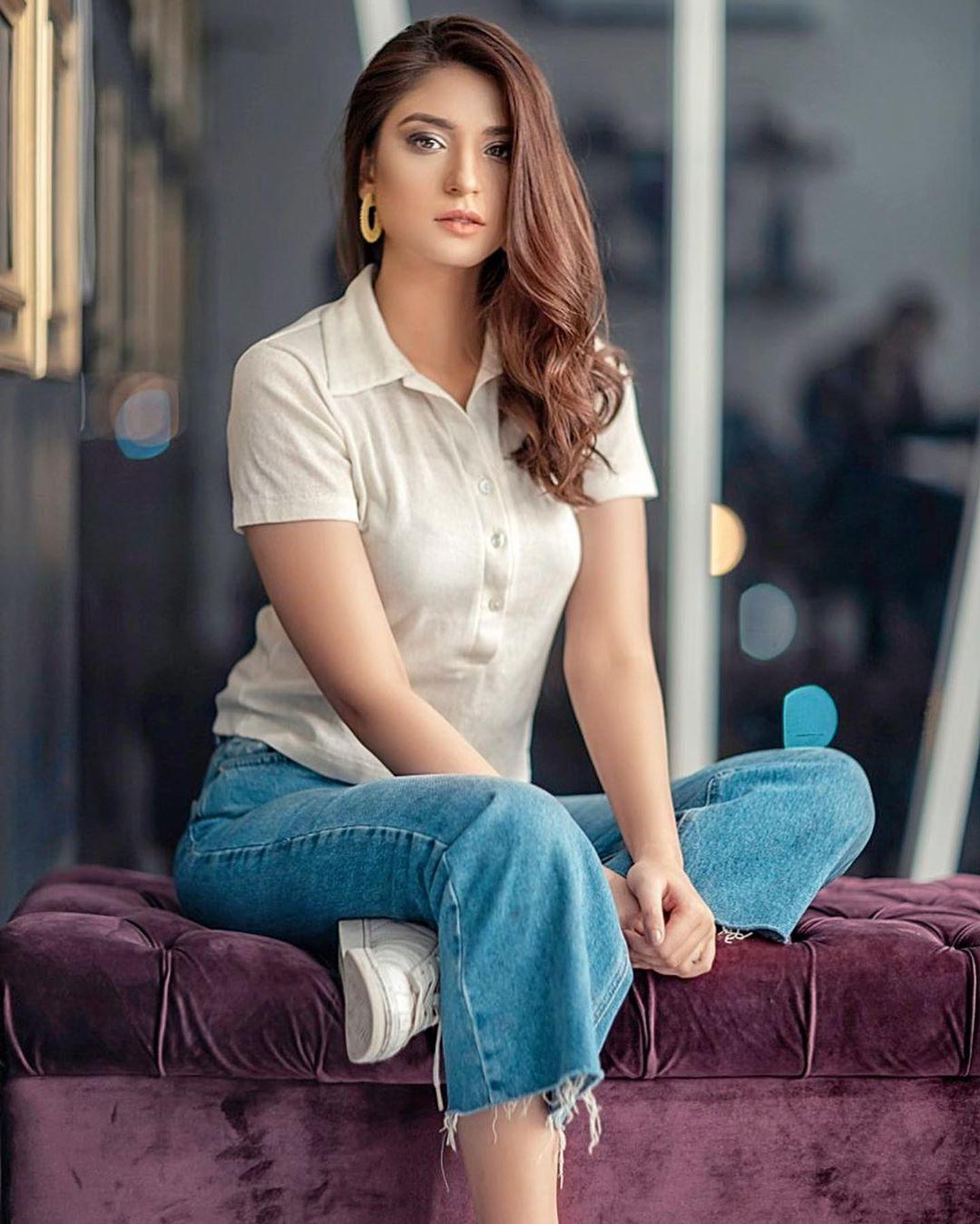 Actress Ramsha Khan New Awesome Photoshoot