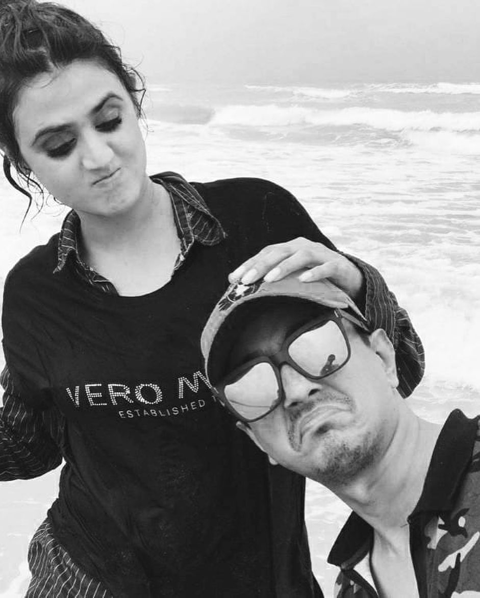Hira Mani Beautiful Clicks with Her Brother in Law
