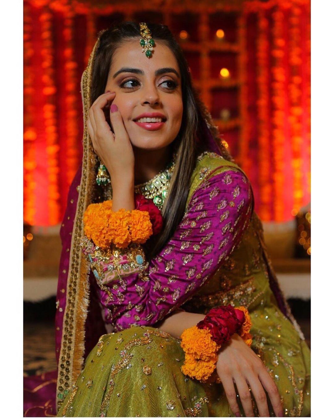 Actress Yashma Gill Beautiful Clicks from the Set of her Upcoming Drama