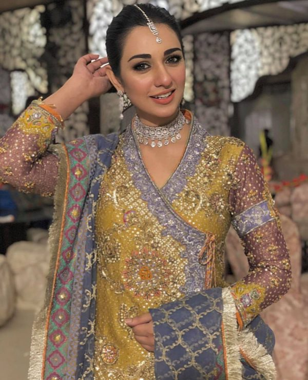 Cool Outfits Ideas By Pakistani Actresses