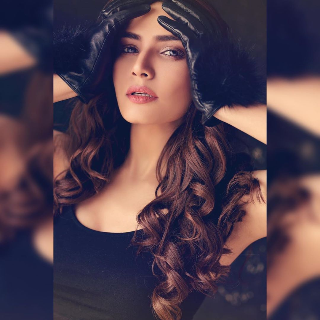 Actress Kiran Haq is Looking Gorgeous in her Latest Photo Shoot