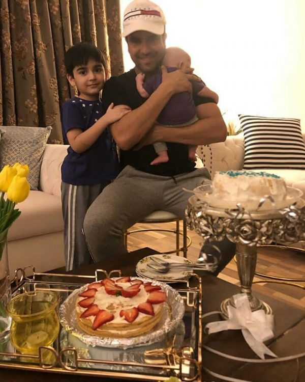 New Awesome Family Clicks of Actor Junaid Khan