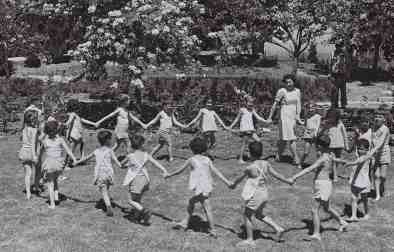 children-dancing-kibbutz-ginegar
