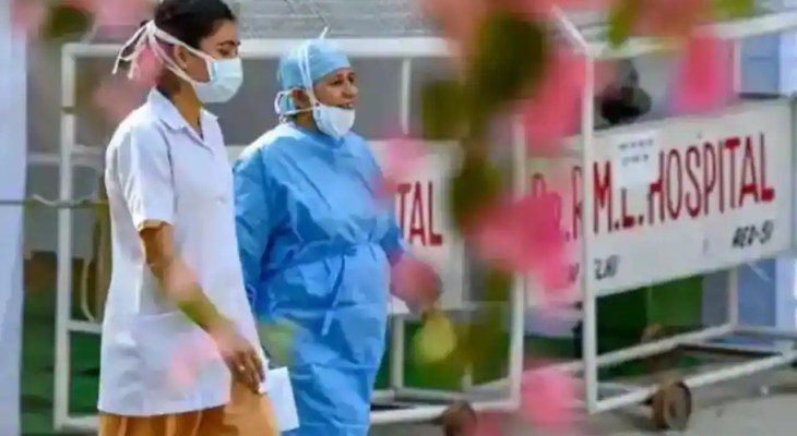 Covid: India reports 31,382 new cases, 318 deaths