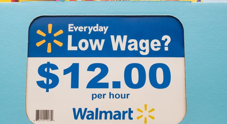 Boosting Walmart base pay by $5 wouldn't just mean livable wages — it could help workers live longer, new report says