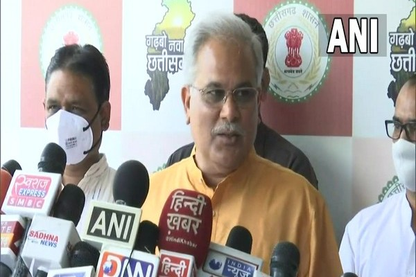 RSS workers controlled from Nagpur the way Naxals commanded by Andhra, Telangana, says Baghel