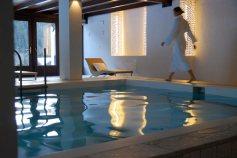 romantik-hotel-post-cavallino-bianco-piscina-interna