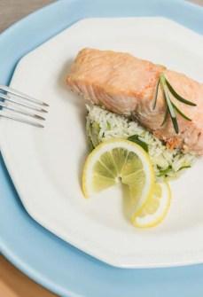 salmone_con_riso_basmati_zucchine_cavolfiore