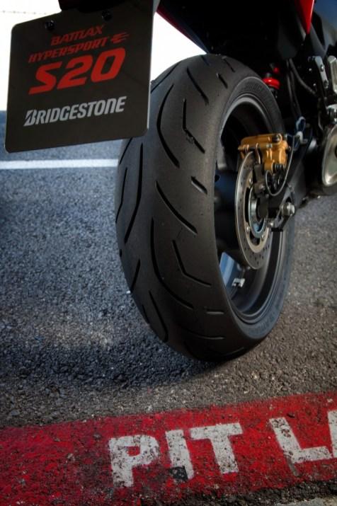 Bridgestone-Battlax-S20_045-682x1024