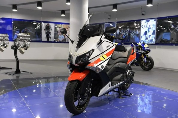 Yamaha TMAX 530 'Ago' edition (2)