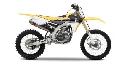 2016-Yamaha-YZ450F60-EU-60th-Anniversary-Studio-002