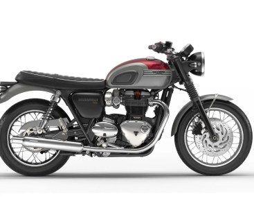 2016-triumph-bonneville-t120-and-t120-black-first-photos-look-smashing-photo-gallery_5