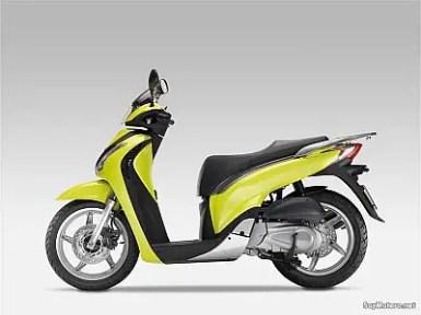 Honda Scoopy generacion 6 (6)