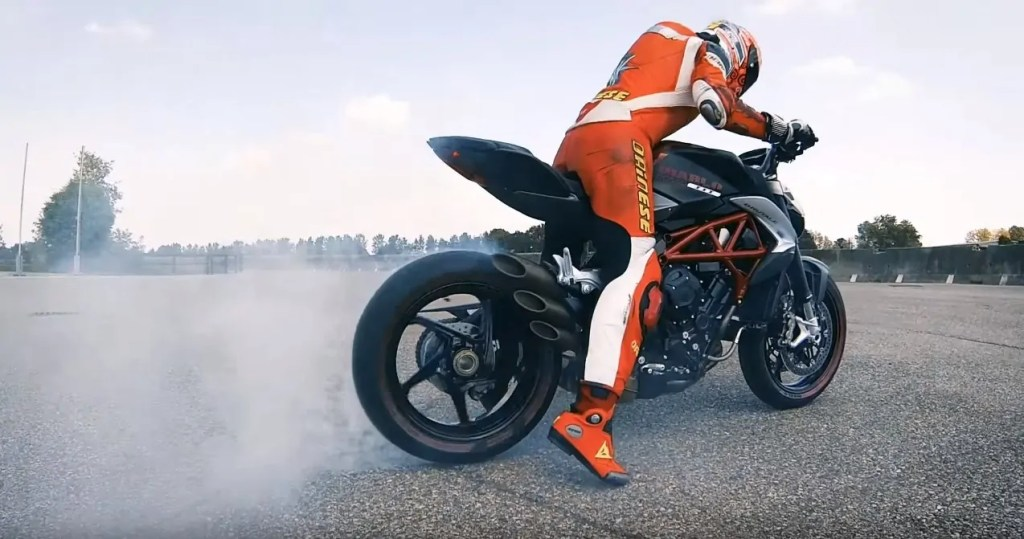 Pirelli MV Agusta Diablo Brutale (2)