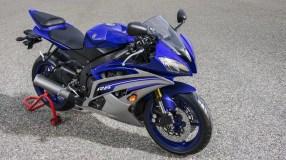 2016 Yamaha YZF-R6 Azul estática