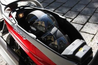 Piaggio Beverly Sport Touring 350ie - Portaobjetos