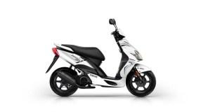2016-Yamaha-JogR-EU-Competition-White-Studio-002