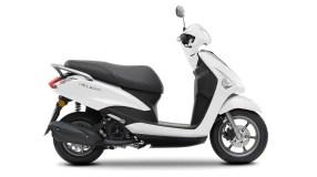 2017-Yamaha-D'elight-125-EU-Milky-White-Studio-002