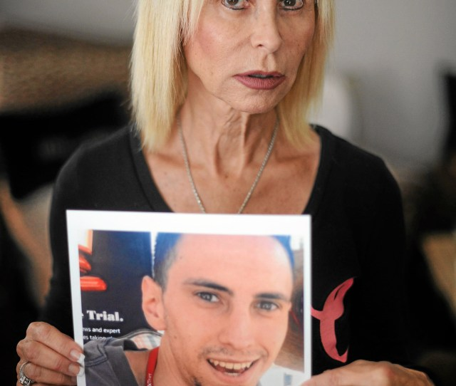 Carol Oschins Son Jordan Oschin Was Struck And Killed While Crossing Burbank Boulevard East Of Farralone Ave Near Their Woodland Hills Home