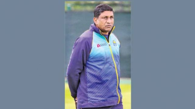 Chairman of Sri Lanka's national selectors Ashantha de Mel will head the Observer-Mobitel Schoolboy and Schoolgirl Cricketers selection panel as well.