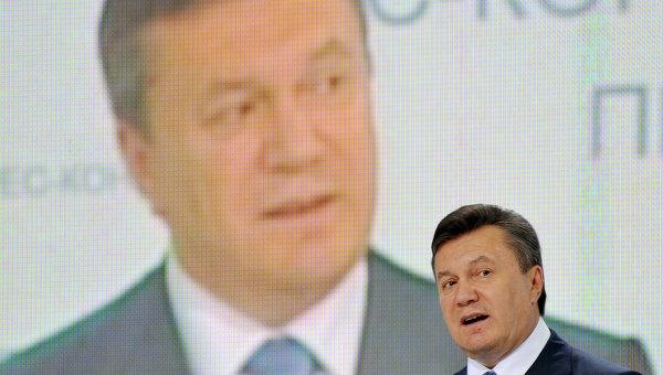 President Yanukovych speaks during a political rally (File photo) AFP PHOTO / Sergei Supinsky