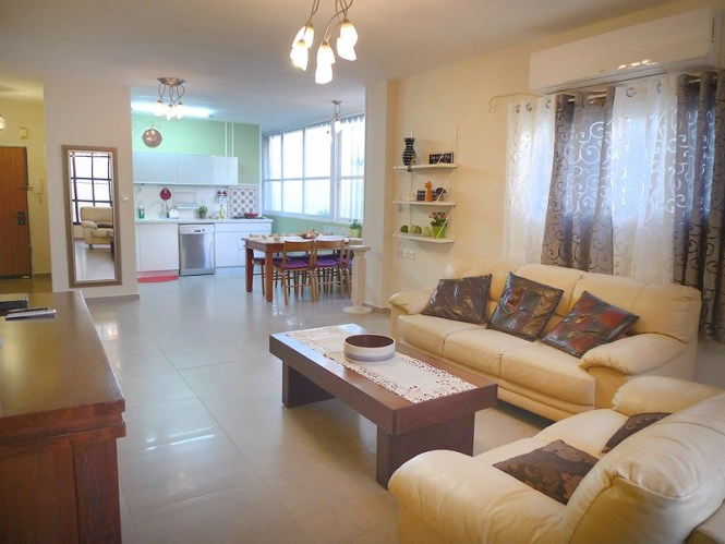 Apartment For In Bat Yam Short Term