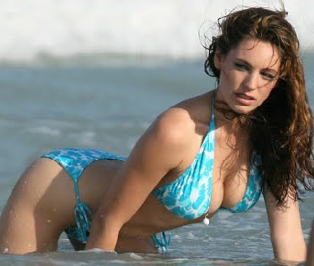 Kelly Brooks Kelly Brooks Hot Sexy Dancing Images Pics Photos Hairstyle Pictures Gulum Hot Swim Beach 7