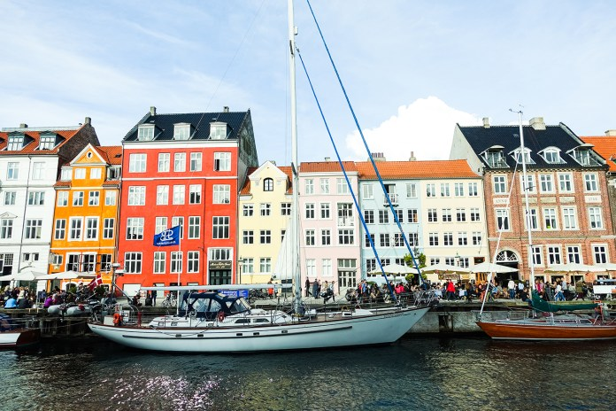 Eating in Nyhavn Like the Locals