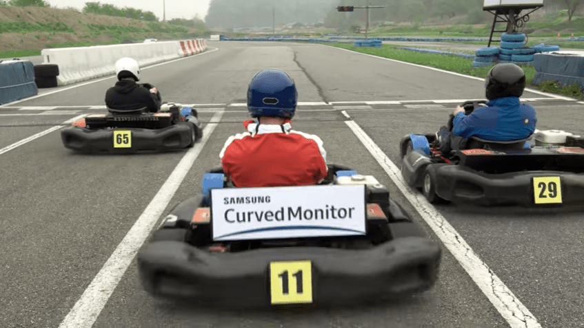 how-to-play-racing-game-with-samsung-curved-monitors