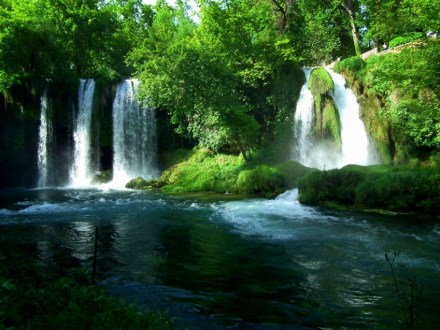 waterfall-daily-tours-day-trips