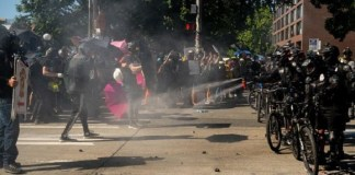 Protesters and police clash at Seattle march